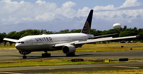 N214UA  Boeing 777 United Airlines