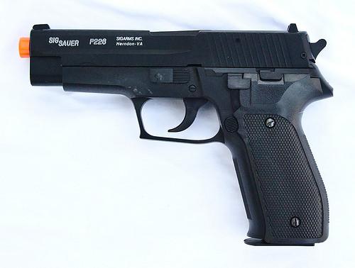 Cyber Gun Sig Sauer P226 Spring Pistol