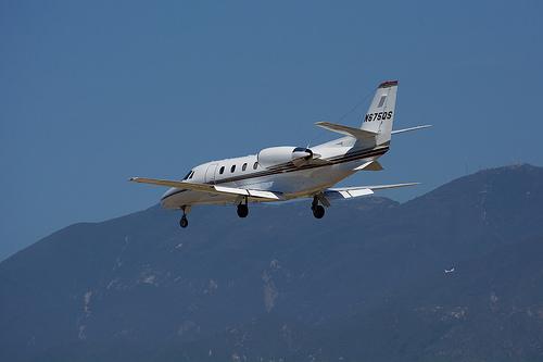 Cessna 560XL (Citation Excel) lands at Santa Barbara
