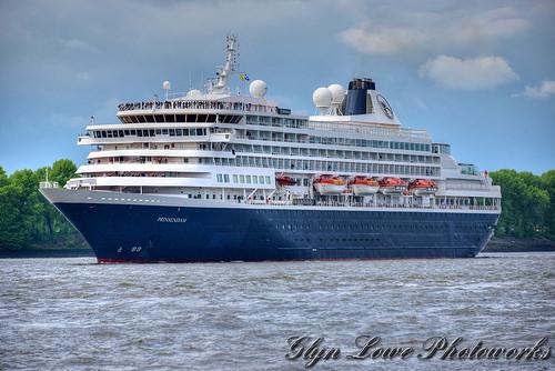 Prinsendam - Cruise Ship in Hamburg May 2015